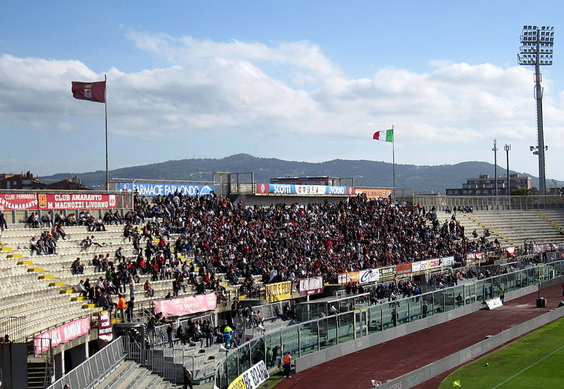 Livorno curva tifosi